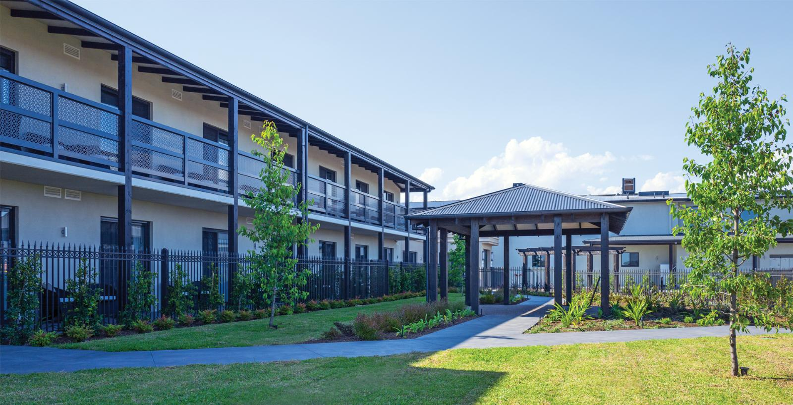 Arcare aged care keysborough courtyard 01